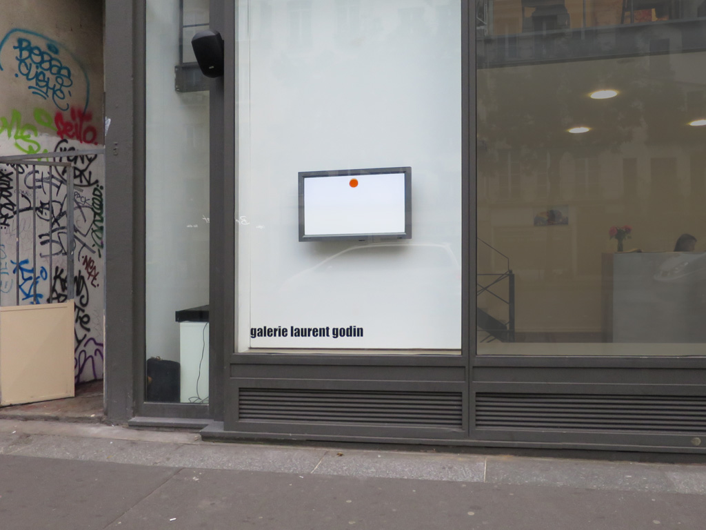 Claude Closky, 'Dot Drip', 2011, computer, flat screen, speakers, unlimited duration. Window installation, galerie Laurent Godin, Paris, 2014.