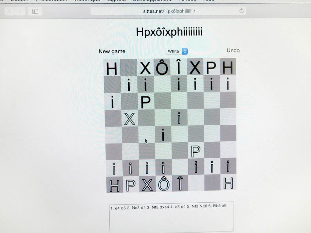 Claude Closky, 'Hpxôîxphiiiiiiii,' 2015-2019, online chess game, interactive website (Javascript) (http://sittes.net/Hpxôîxphiiiiiiii/).