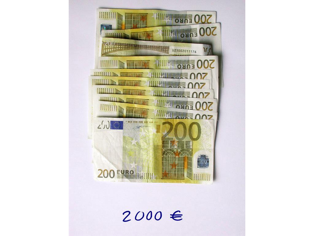 Claude Closky, '2,000 euros (10x200)', 2002, c-print, permanent felt-tip pen, 32 x 24 cm.