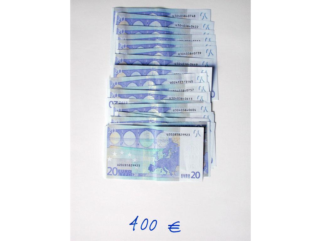 Claude Closky, '400 euros (20x20)', 2002, c-print, permanent felt-tip pen, 32 x 24 cm.