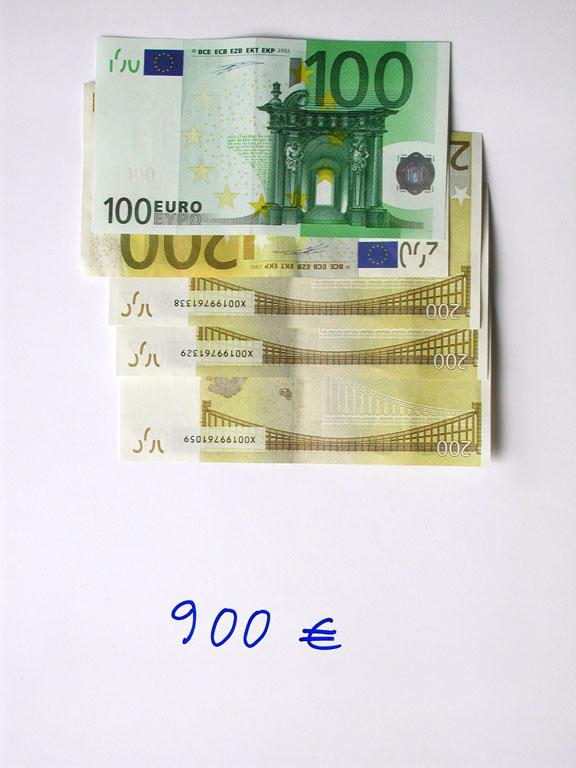 Claude Closky, '900 euros (100+4x200)', 2002, c-print, permanent felt-tip pen, 32 x 24 cm.