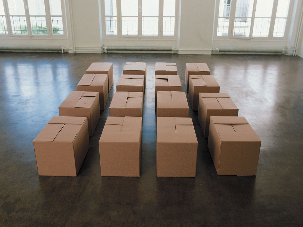 Claude Closky, 'All the ways to close a cardboard box', 1989, 16 cardboard boxes, 50 x 500 x 800 cm.