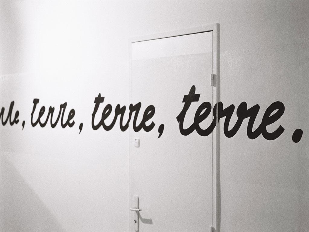 Claude Closky, 'Entre ciel et terre', 1991, wall painting.
