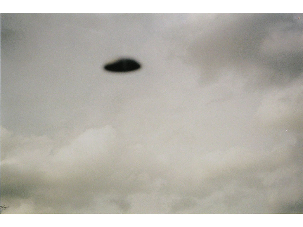 Claude Closky, 'Flying Saucer, 10e (1)', 1996, c-print, 20 x 30 cm.