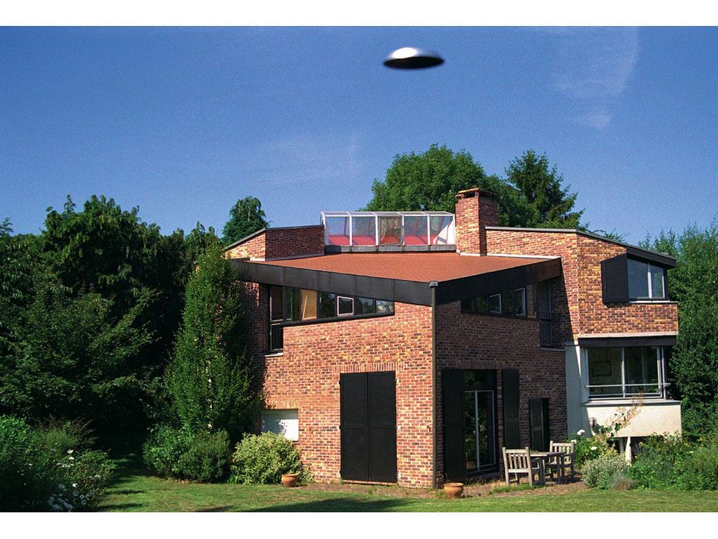 Claude Closky, 'Flying saucer, Bures-sur-Yvette (6)', 1996, c-print, 20 x 30 cm.