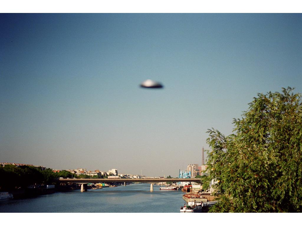 Claude Closky, 'Flying saucer, pont Mirabeau (1)', 1996, c-print, 20 x 30 cm.
