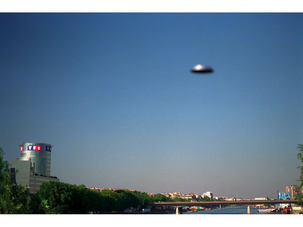 Claude Closky, 'Flying Saucer, Pont Mirabeau (2)', 1996, c-print, 20 x 30 cm.