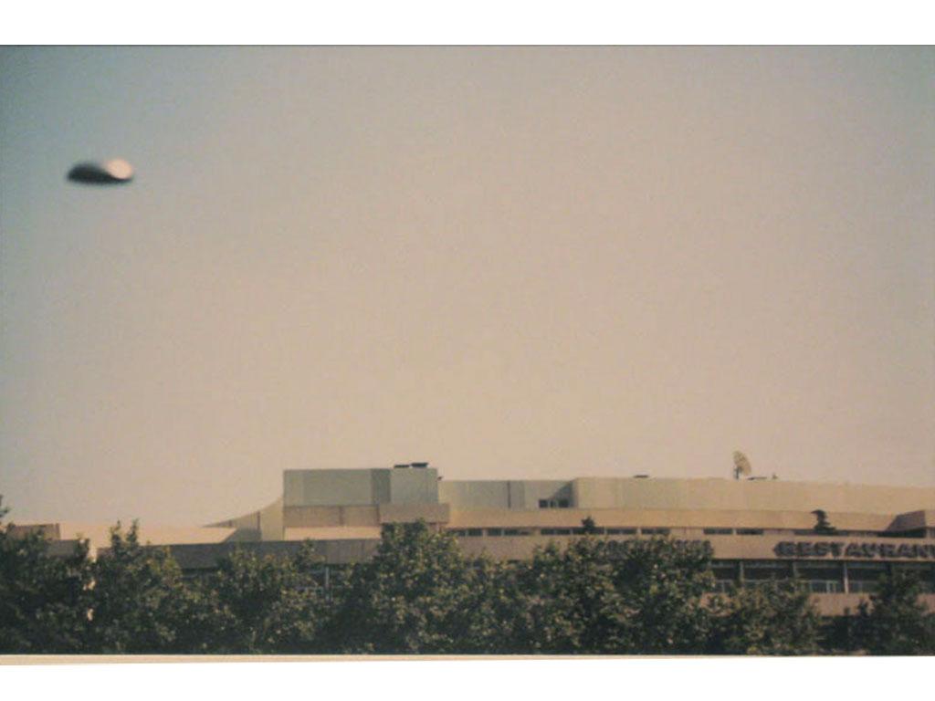 Claude Closky, 'Flying saucer, porte Maillot (1)', 1996, c-print, 20 x 30 cm.