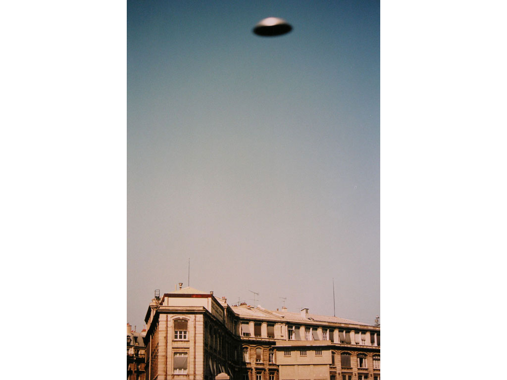 Claude Closky, 'Flying saucer, rue d'Alsace', 1996, c-print, 30 x 20 cm.