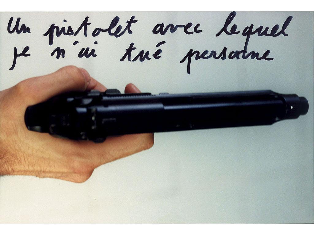 Claude Closky, 'Un pistolet avec lequel je n'ai tué personne [A gun I killed nobody with]', 1995, c-print, permanent felt pen, 15,2 x 22,5 cm.