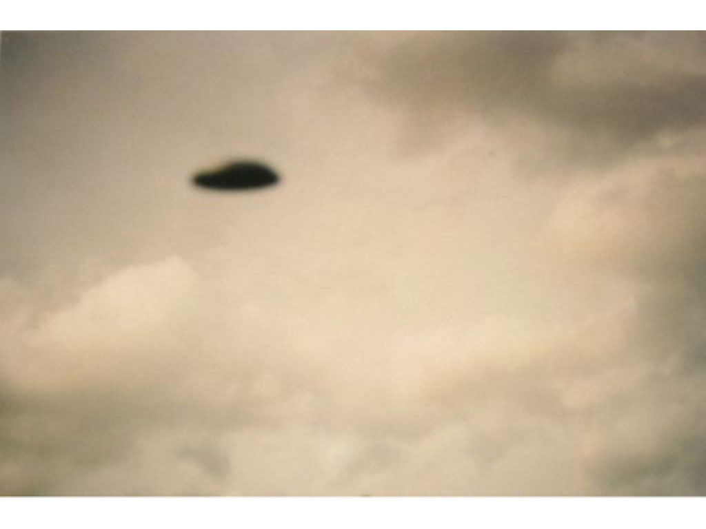 Claude Closky, 'Flying Saucer, 10e (3)', 1996, c-print, 20 x 30 cm.