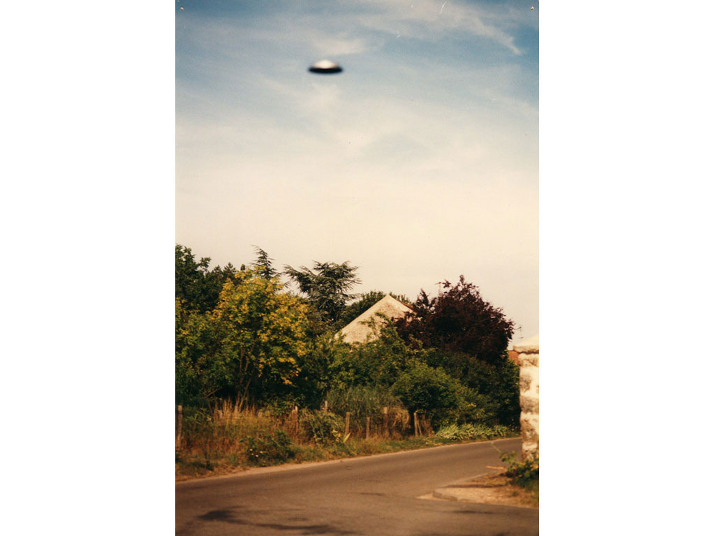 Claude Closky, 'Flying saucer, La Brosse (1)', 1996, c-print, 30 x 20 cm.