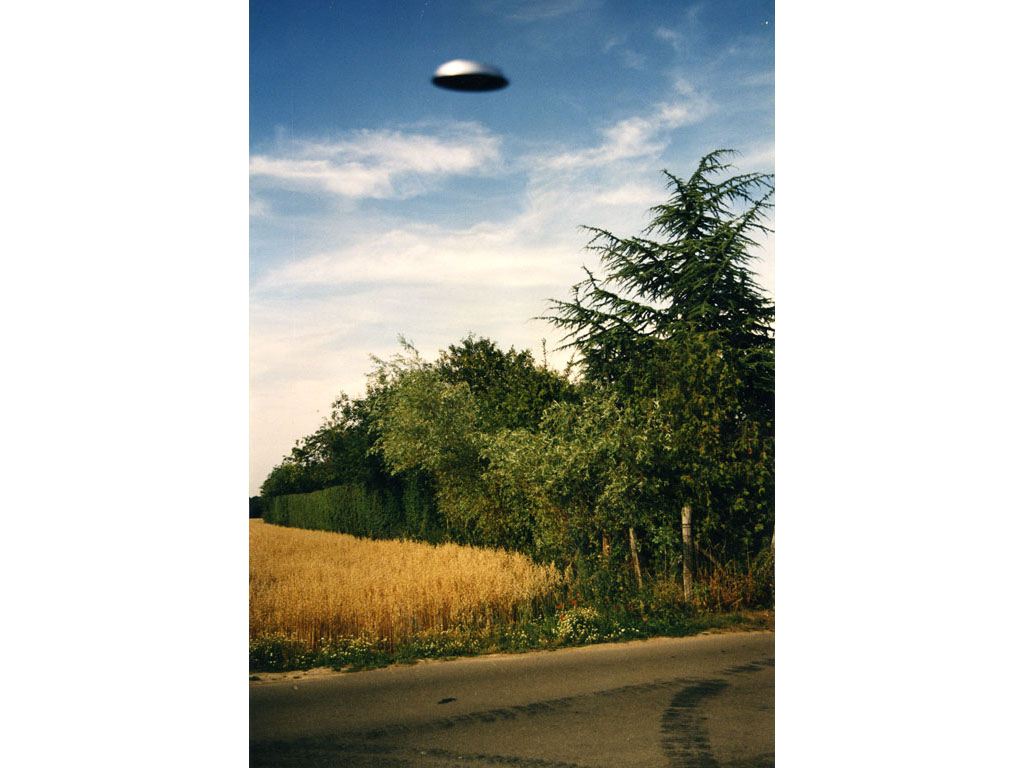 Claude Closky, 'Flying saucer, La Brosse entrance', 1996, c-print, 30 x 20 cm.