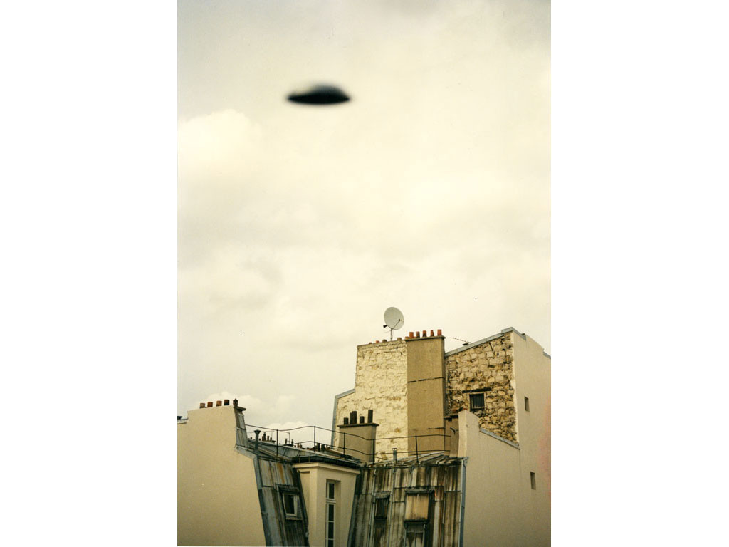 Claude Closky, 'Flying Saucer, Rue Varlin (9)', 1996, c-print, 30 x 20 cm.