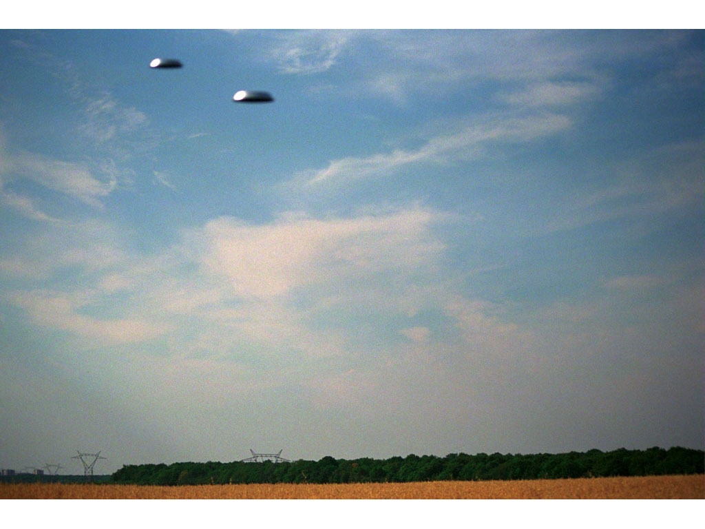 Claude Closky, 'Flying Saucers, Le Mesnil-St-Denis (5)', 1996, c-print, 20 x 30 cm.