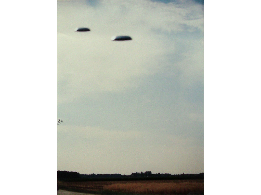 Claude Closky, 'Flying saucer', 1996, c-print, 30 x 20 cm.