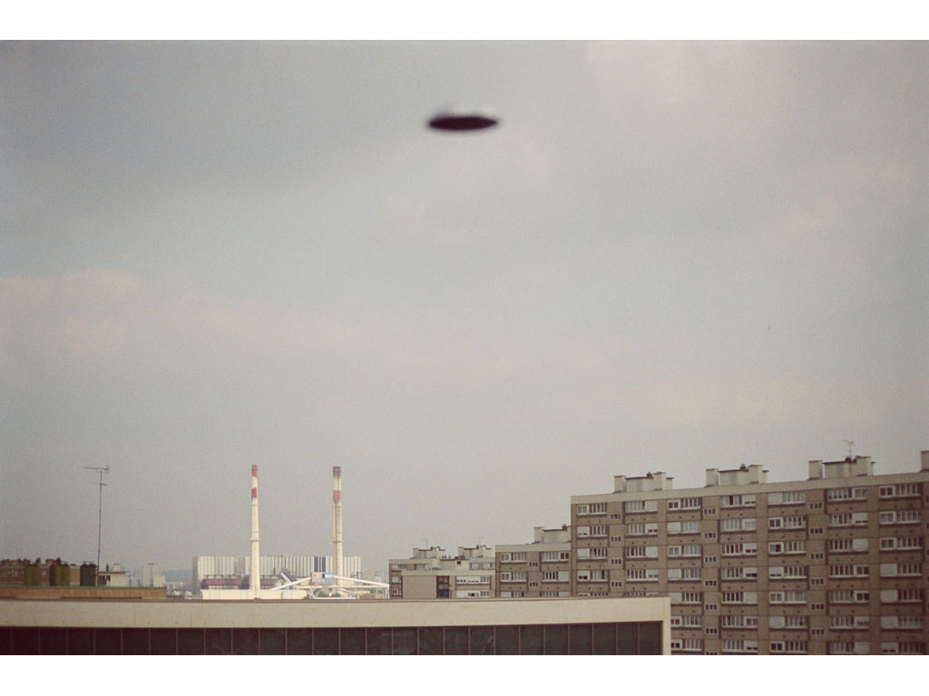 Claude Closky, 'Flying saucer, Vitry n°6', 2005, c-print, 20 x 30 cm.
