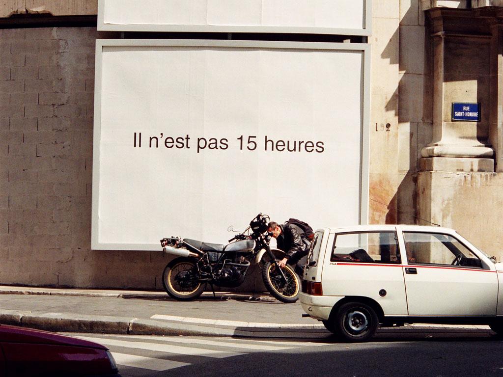 Claude Closky, 'Il n'est pas 15 heures [It's not 3 PM]', 1995-1996, black and white public notice, 3 x 4 meters.